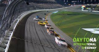 Hamlin holds off Kyle Busch, Logano for Daytona 500 win