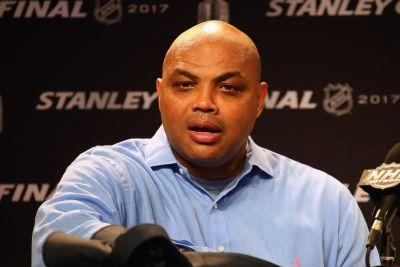 Bored by NBA, Charles Barkley accepts invite to Stanley Cup final