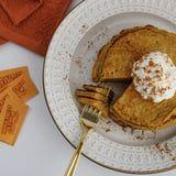 These Keto Pumpkin Spice Pancakes Give All The Fall Vibes Without the Sugar