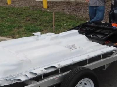 This EV Nut Built A Range-Extending Battery Pack Trailer