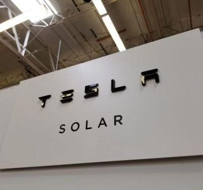 Report: Tesla to slash solar panel prices by 38% to stymie market share loss