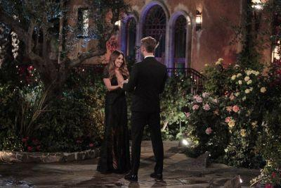 """Danielle """"Lo"""" Lombard reportedly deemed """"fake"""" by 'The Bachelor' bachelorettes - """"she didn't get along with the others"""""""