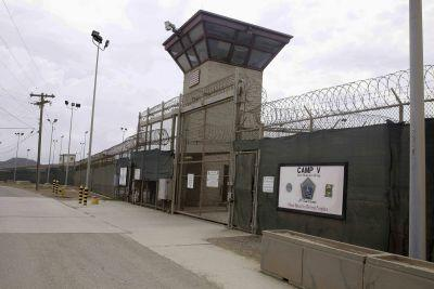 Oman says it has accepted 10 Gitmo inmates at US request