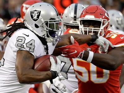 Craziest moments from Thursday night's Raiders-Chiefs thriller