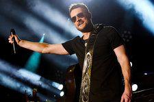 Watch Eric Church Cover Snoop Dogg's 'Gin and Juice' at Cincinnati Concert