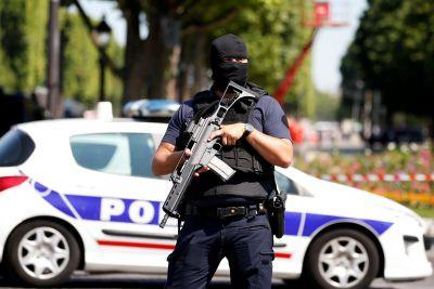 Paris cops arrest driver who rammed police car on Champs-Elysees