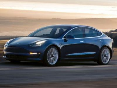 The Model 3's Estimated Delivery Dates Have Officially Slipped, But EV Fans Don't Seem To Mind