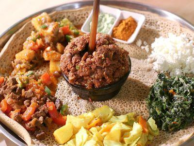 Watch: How Injera Brings Together a Traditional Ethiopian Meal