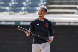 Big stick: Lindor focused on season, not future in Cleveland