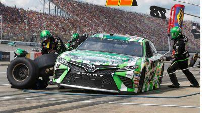 Kyle Busch overcome penalty to win Truck race at Bristol