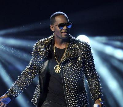 Reports: R. Kelly charged with aggravated sexual abuse in Chicago