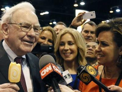 Here's how rich you'd be if you invested $1,000 in Warren Buffett back in the day