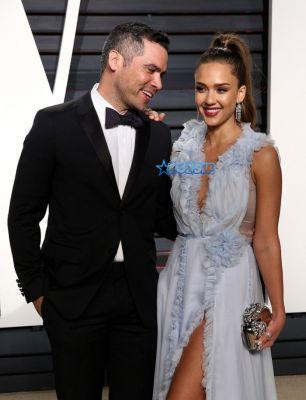 Celebrity Seeds: Jessica Alba Announces She's Toting Third Gut Full Of Human With Hubby Cash Warren