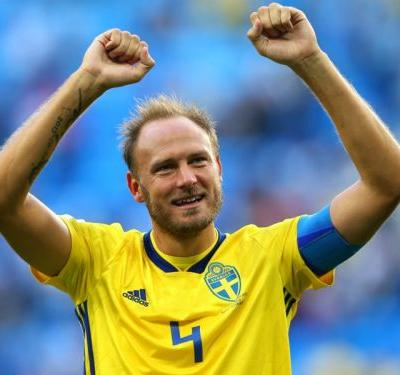 Granqvist refusing to rule out shock switch to Man Utd