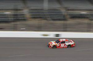 Kyle Busch's closing qualifying flurry lands Indy pole