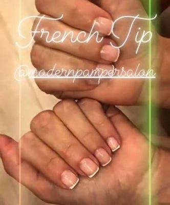 Kim Kardashian's French Manicure Actually Manages To Look 2019 Fresh