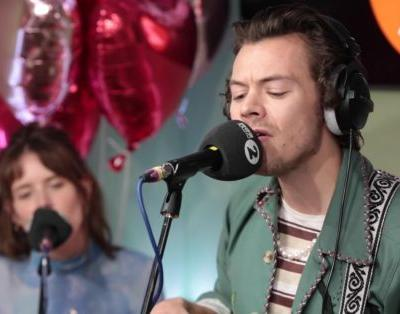 "Watch Harry Styles Cover Joni Mitchell's ""Big Yellow Taxi"""
