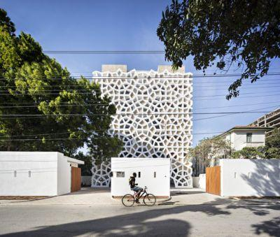 Tudor Apartments / Urko Sanchez Architects