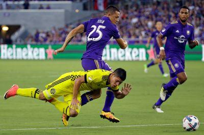 Barnes scores trying goal in Orlando's 1-1 draw with Crew
