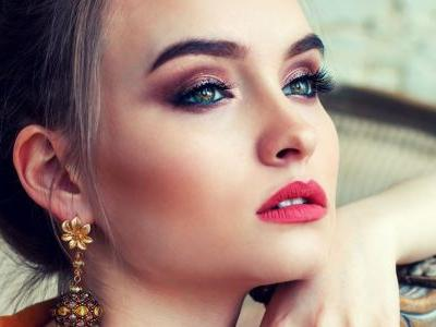 11 Lipstick Colors For Fair Skin That Will Give You A Porcelain Glow