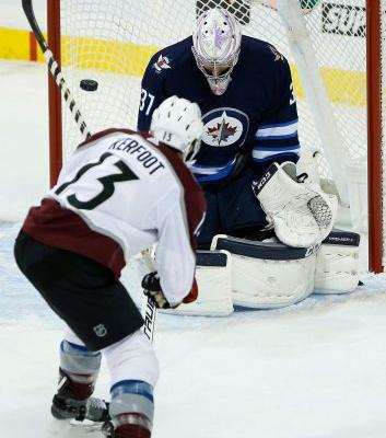 Blake Wheeler has goal, 4 assists in Jets' win over Avs
