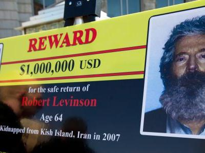 US believes ex-FBI agent Robert Levinson died while under Iranian custody, family says
