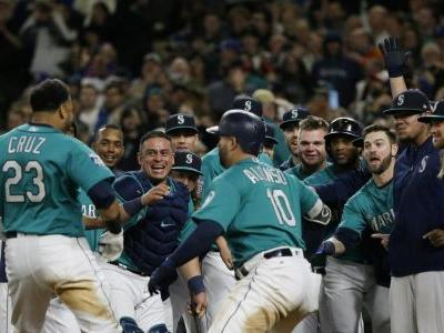Against all odds, Cruz homers in ninth to lift Mariners past red-hot Cleveland, 3-1