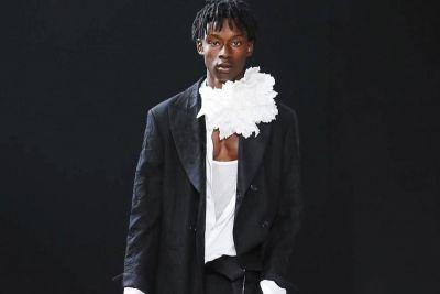 Ann Demeulemeester's 2018 Spring/Summer Collection Pays Homage to Robert Mapplethorpe & Patti Smith