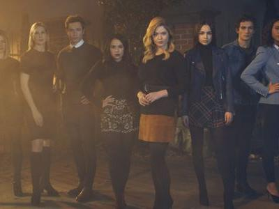 The Pretty Little Liars Spinoff Will Have Its Own Version Of 'A'