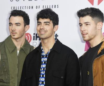 These Tweets About The Jonas Brothers' ' Happiness Begins' Are Such A Mood