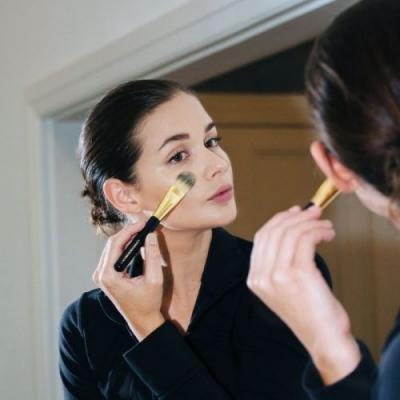 How to Apply Foundation With a Brush