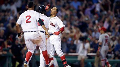 Mookie Betts' two-run double caps Red Sox comeback win