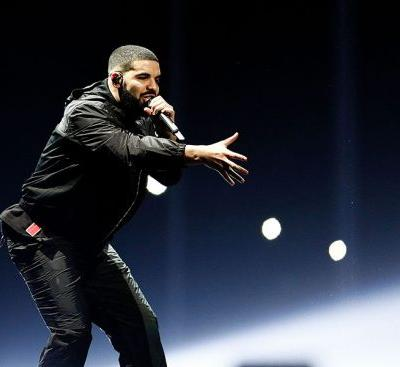 Let's Appreciate Drake For Calling Out a Groper Who Was Grabbing Women at His Show