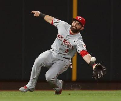 Former Reds infielder Jose Peraza agrees to one-year deal with Red Sox