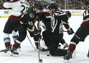 Richardson's 2 late goals lead Coyotes past Avalanche 6-4