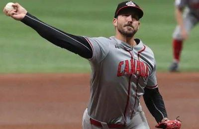 Blue Jays sign Canadian hurler Phillippe Aumont, 4 others