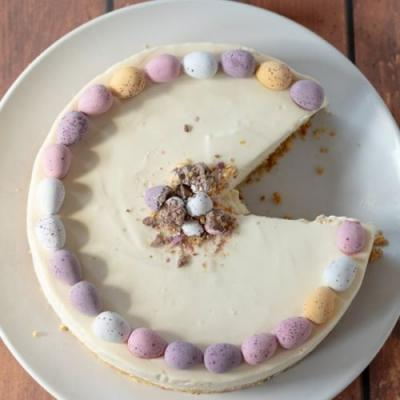 No-bake mini egg Easter cheesecake