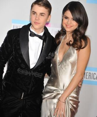 """Is Selena Gomez's """"Boyfriend"""" About Justin Bieber? She Gets Real About Her Exes"""
