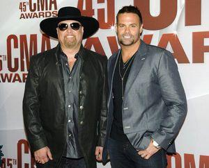 Country music mourns singer killed in copter crash