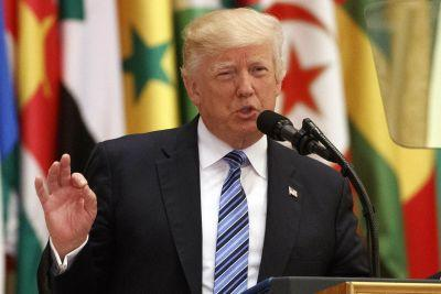 Trump urges Muslim leaders to 'drive out terrorists'