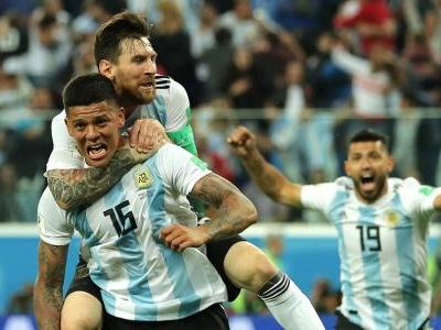 Argentina escapes the group stage with dramatic goal in closing minutes against Nigeria