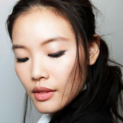 The Only Felt-Tip Eyeliners Byrdie Editors Have Ever Loved
