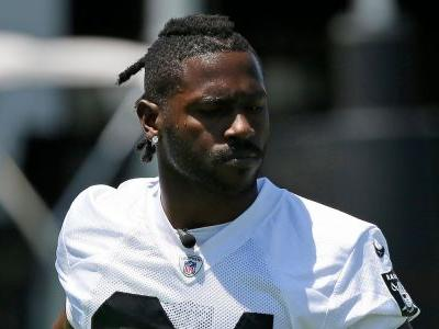 Antonio Brown reportedly had his old helmet repainted after being told he couldn't use it but was caught because it looked noticeably off