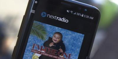 How to Get Live FM Radio on Your Galaxy S8 or S8+