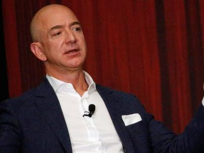 Amazon just filed an under-the-radar protest that hints they're ready for a battle with Trump on a multibillion-dollar contract