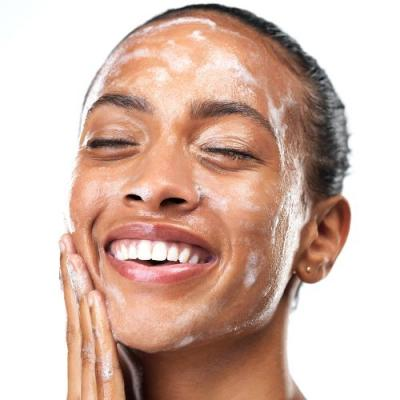 12 Things People With Perfect Skin Do Every Day