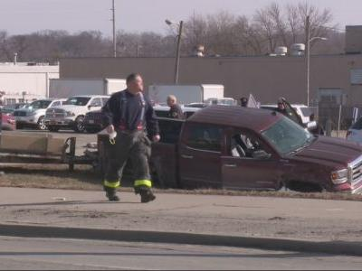 Construction Trailer Theft Leads to Chase, Crash in Des Moines Friday Morning