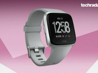 Full-strength Fitbit Versa smartwatch is only £4 more than the watered down Lite model today - save £46