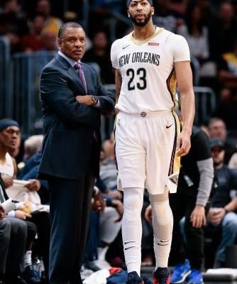 Anthony Davis suffers concussion against Nuggets