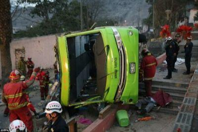 Tourist bus accident in Lima kills 8, injures 35